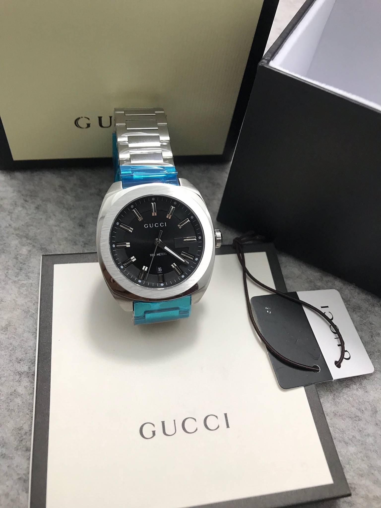 Gucci 100meter men's Watch Black Dial GG2570