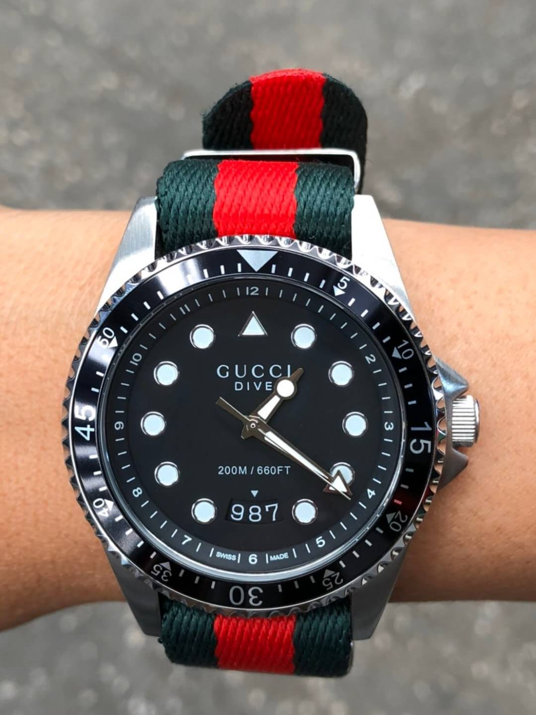 นาฬิกา GUCCI DIVE BLACK DIAL NYLON STRAP MEN'S WATCH ก๊อปสายผ้า