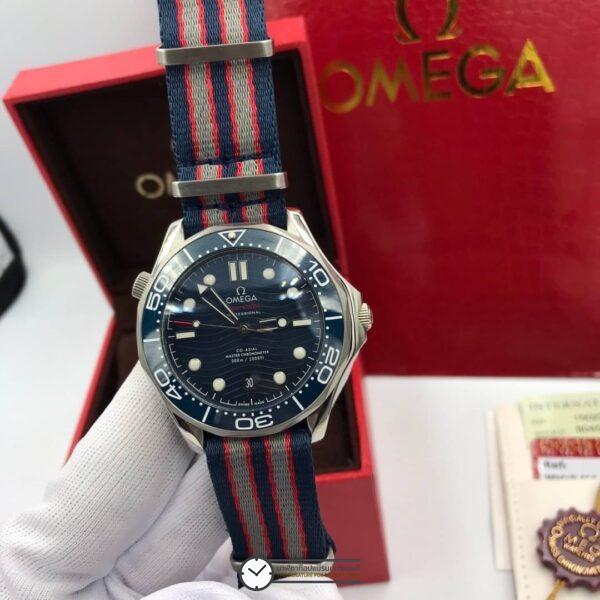 Omega 2018 Seamaster Diver 300M Blue Ceramic Dial Blue/Red/Gray Nato Strap A8800 VSF, ก๊อปหน้าปัดน้ำเงิน, สายผ้า