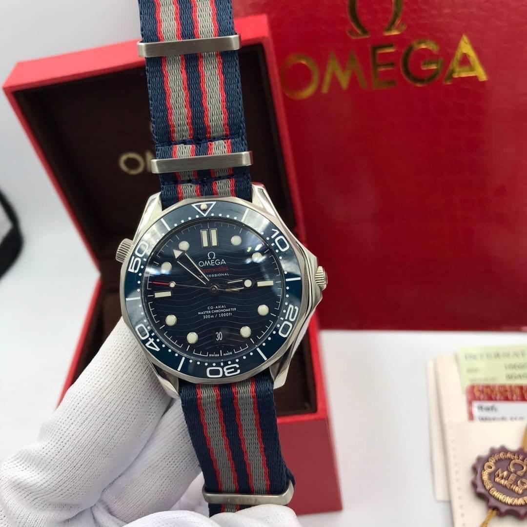 Omega 2018 Seamaster Diver 300M Blue Ceramic Dial Blue/Red/Gray Nato Strap A8800 VSF, mirror